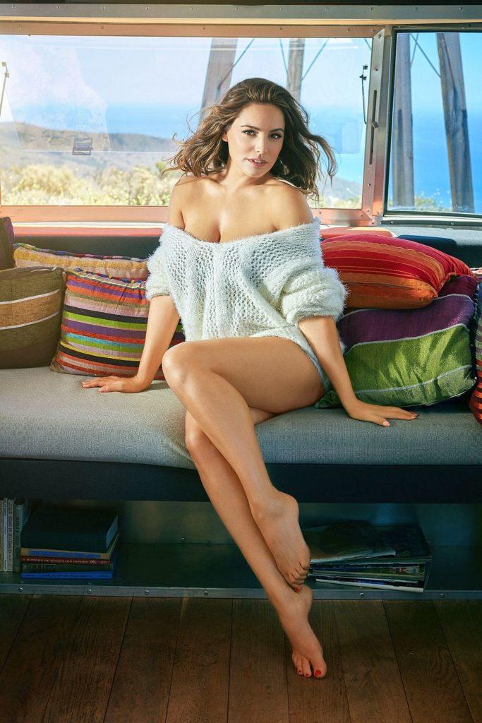 Kelly Brook Bikini Images