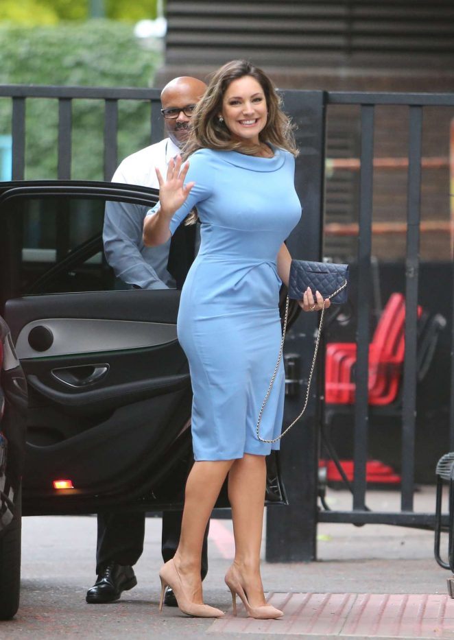 Kelly Brook Hot Images