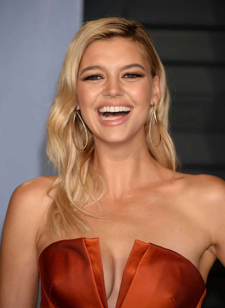 Kelly Rohrbach Smile Images