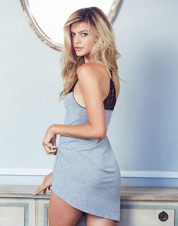 Kelly Rohrbach Swimsuit Pictures