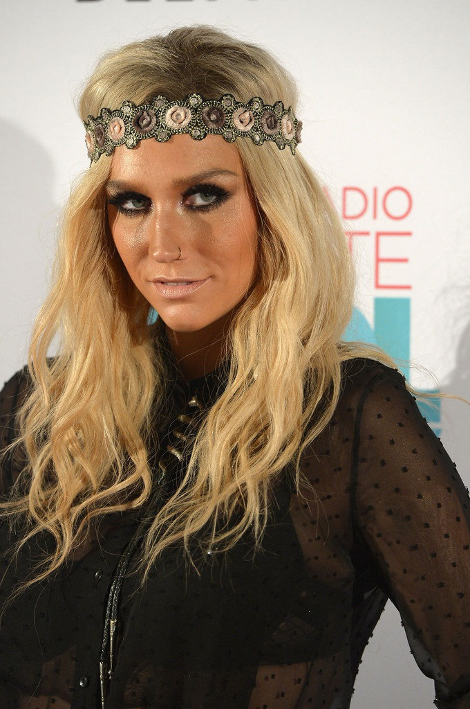 Kesha Leggings Pictures