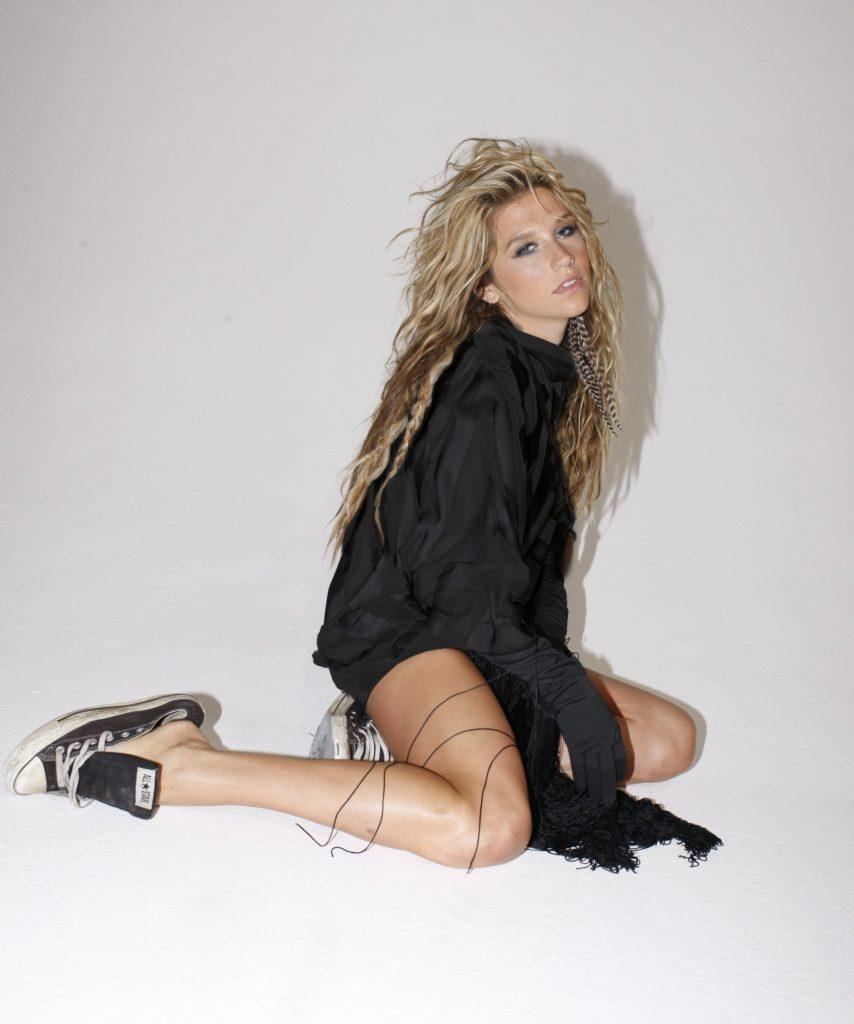 Kesha Legs Pictures