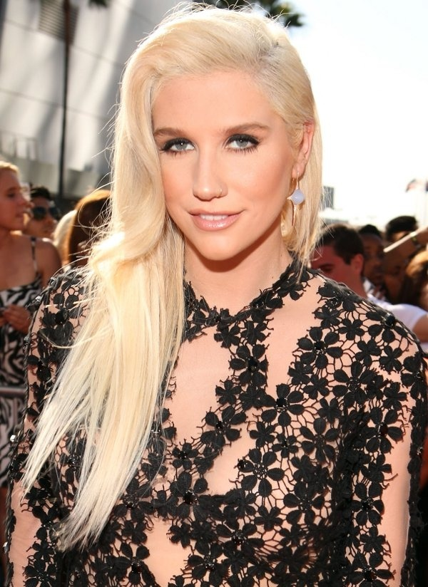 Kesha Makeup Pictures