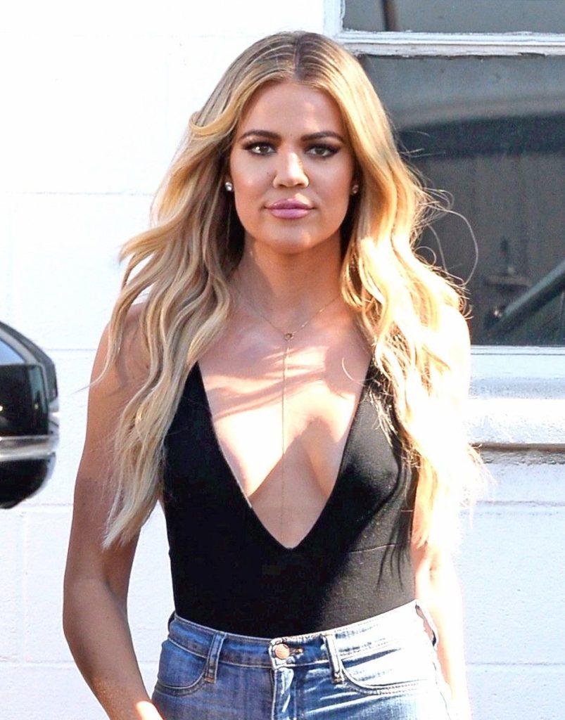Khloe Kardashian Bra Photos
