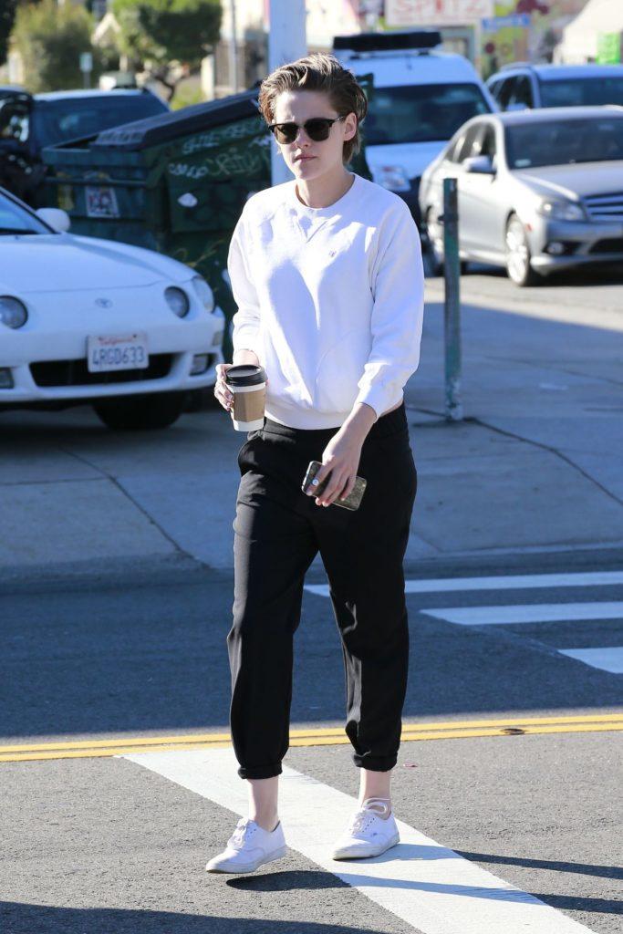 Kristen Stewart Leggings Pictures