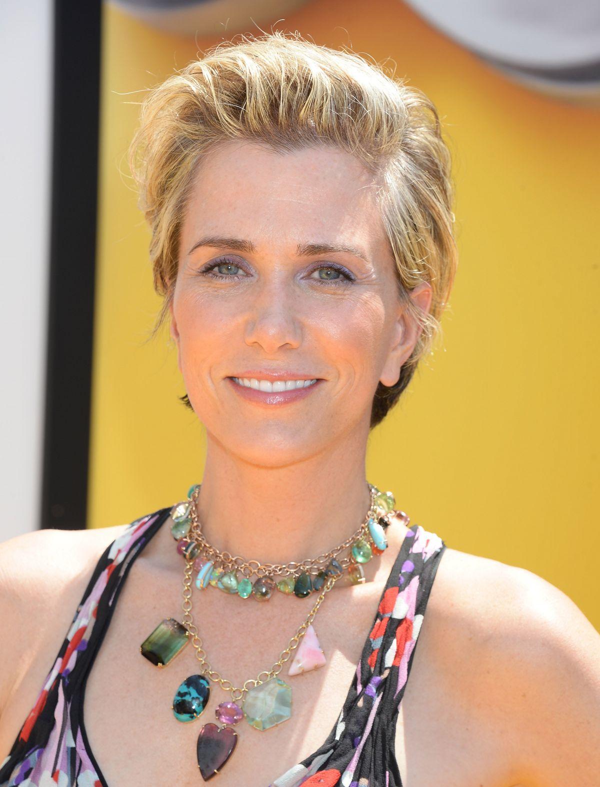 33 Kristen Wiig Hottest Pictures – The Cheetah In Wonder ...