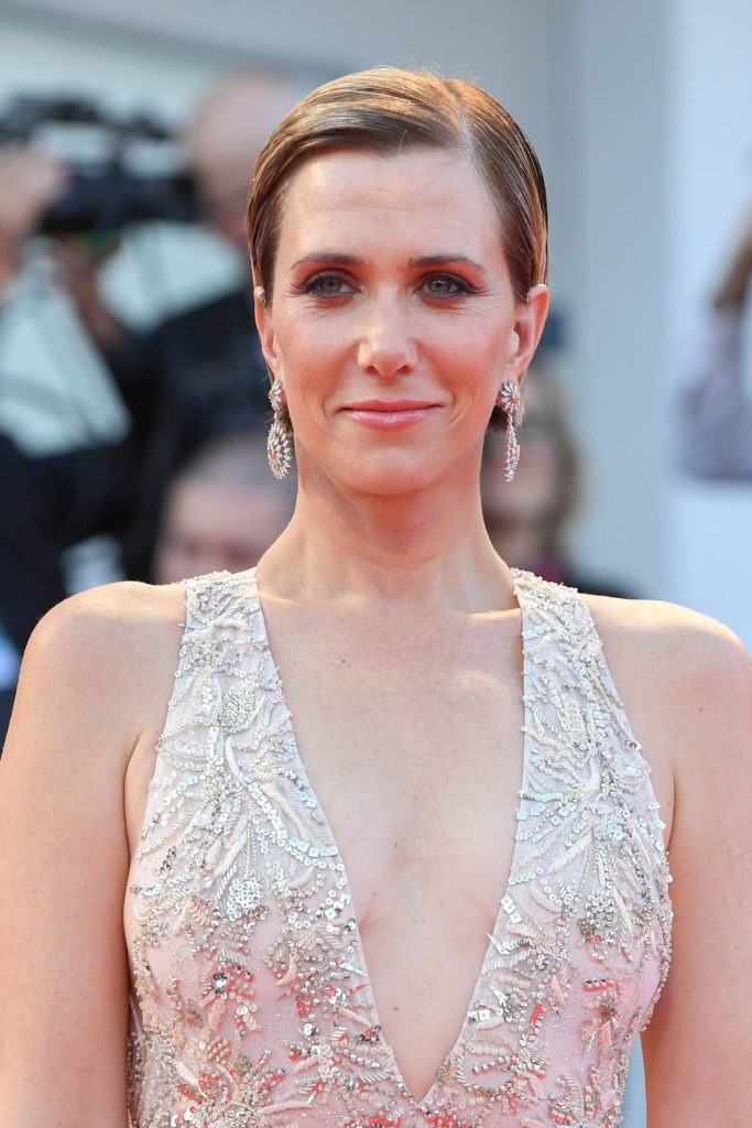 Kristen Wiig Without Bra Pics
