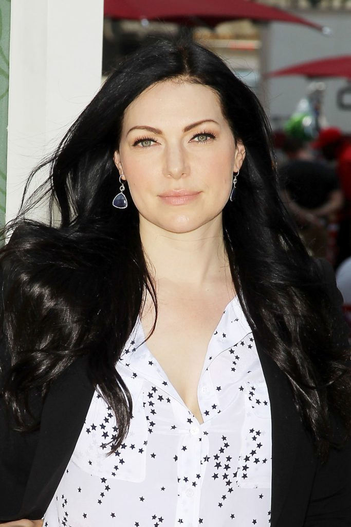 Laura Prepon Braless Pics
