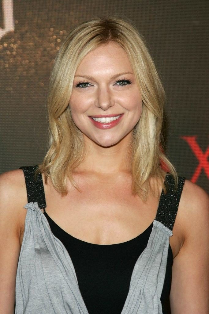 Laura Prepon Smile Face Pics