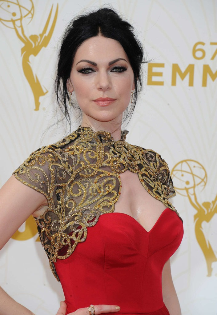 Laura Prepon Without Bra Pictures