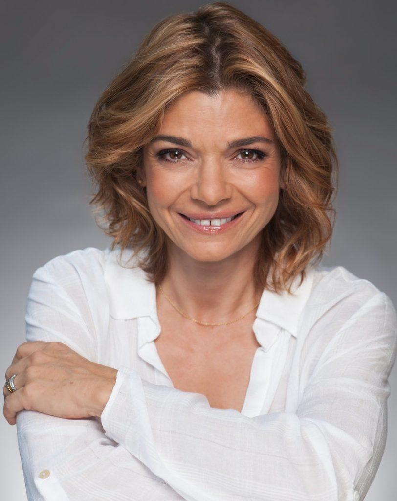 Laura San Giacomo Short Hair Pics