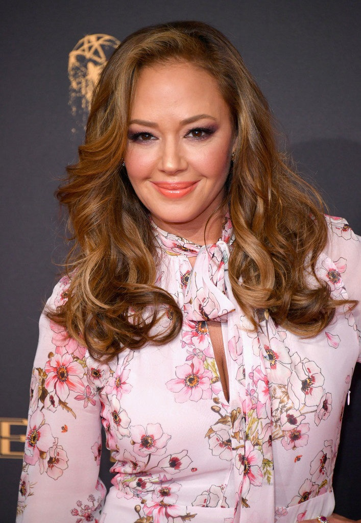 Leah Remini Sexy Pictures