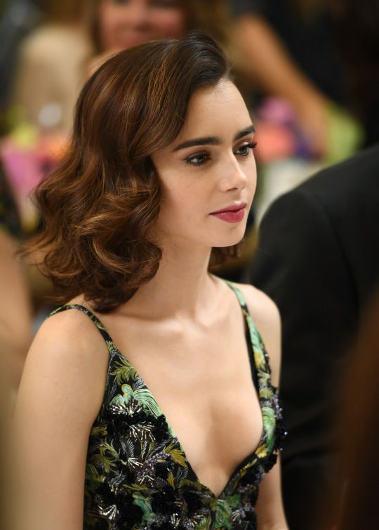 Lily Collins Topless Pics