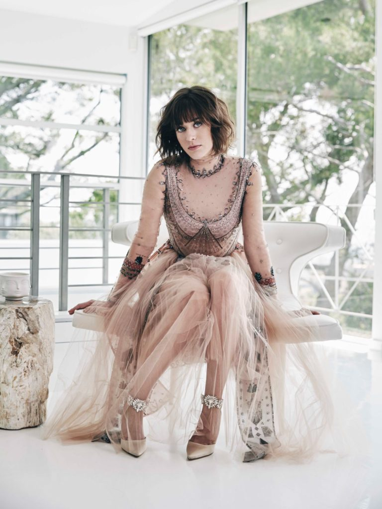 Lizzy Caplan Bathing Suit Images