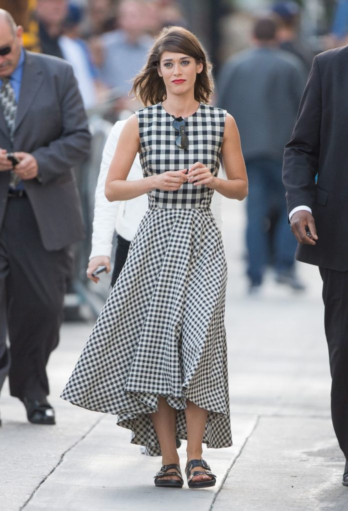 Lizzy Caplan Oops Moment Photos