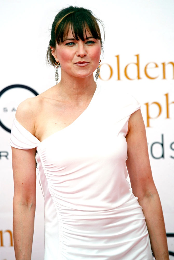 Lucy Lawless Bold Images