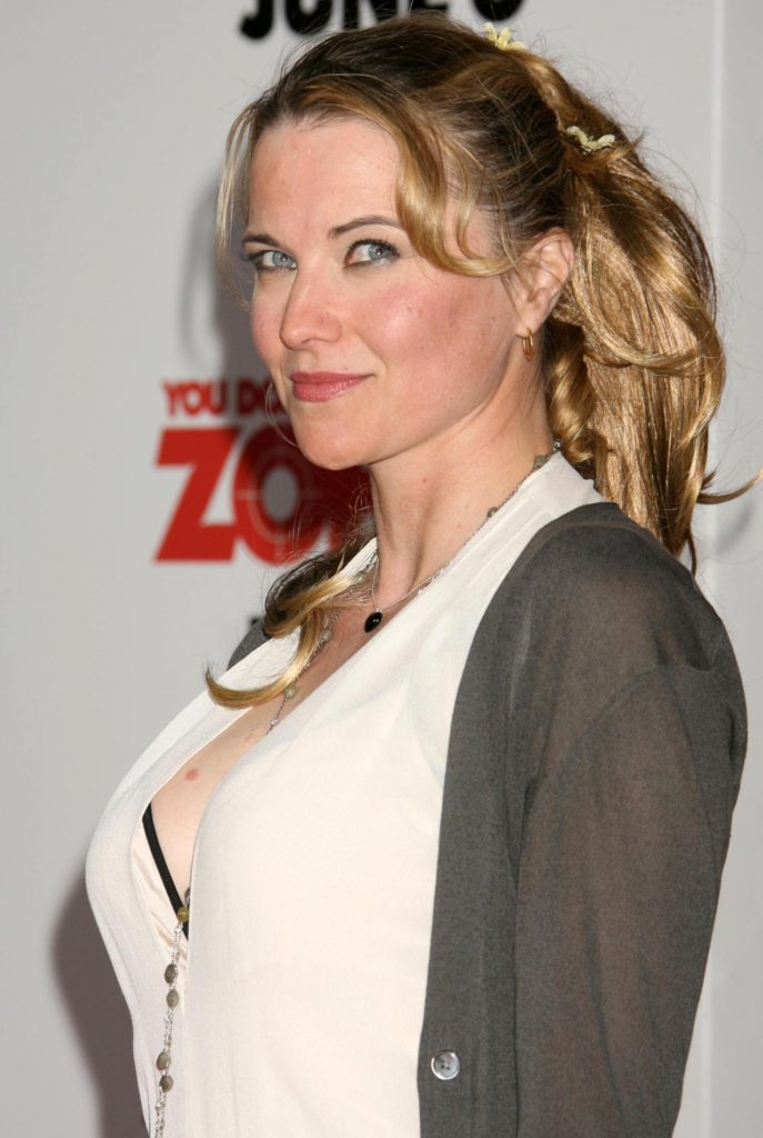 Lucy Lawless Bra Images