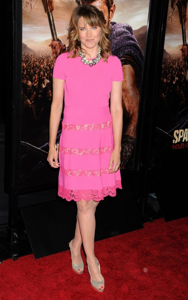 Lucy Lawless Legs Pictures