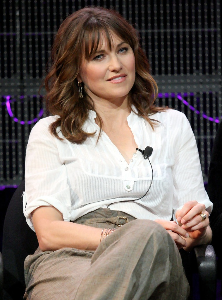 Lucy Lawless Makeup Photos