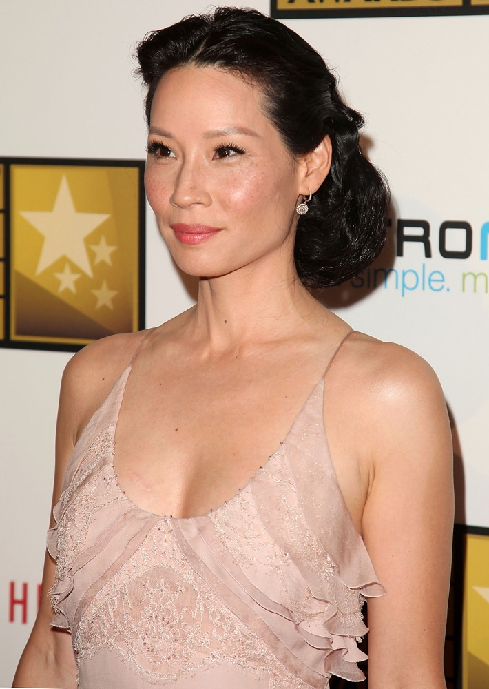 Lucy Liu Topless images