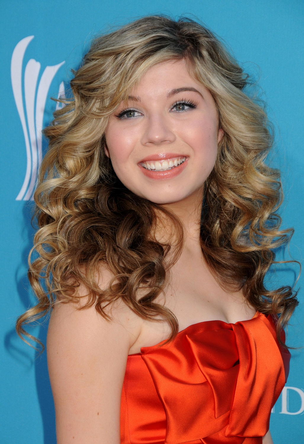 35 Jennette McCurdy Hot Bikini Sexy Pictures Expose Her
