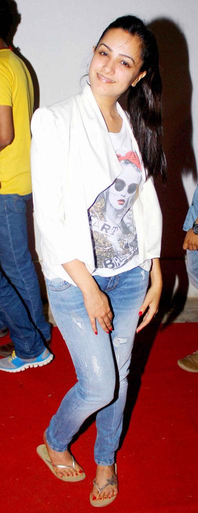 Anita Hassanandani Pics In Jeans Top