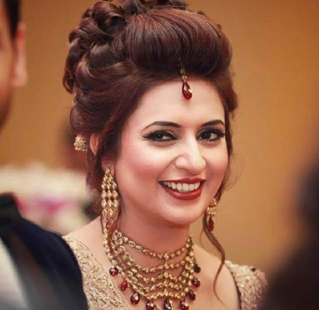 Divyanka Tripathi Attractive Photos