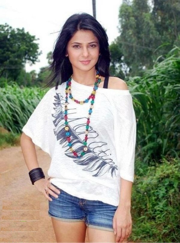 Jennifer Winget Photos In Bikini