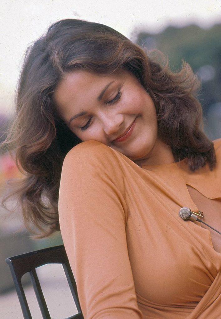 Lynda Carter Cute Pics
