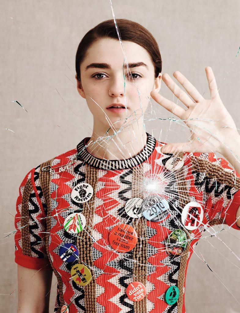 Maisie Williams Pics Gallery