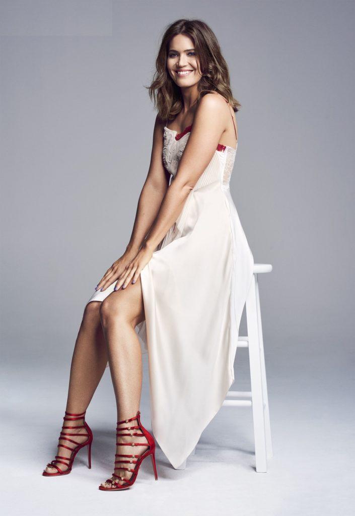Mandy Moore Feet Photos