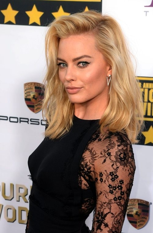 Margot Robbie Body Photos