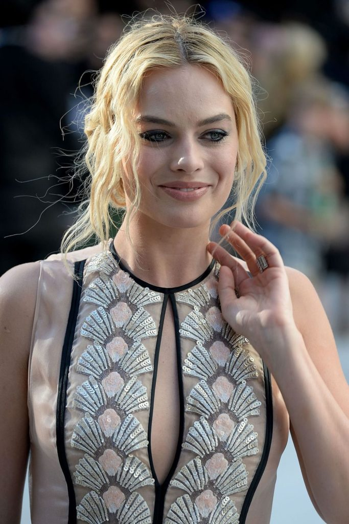 Margot Robbie Thong Wallpapers