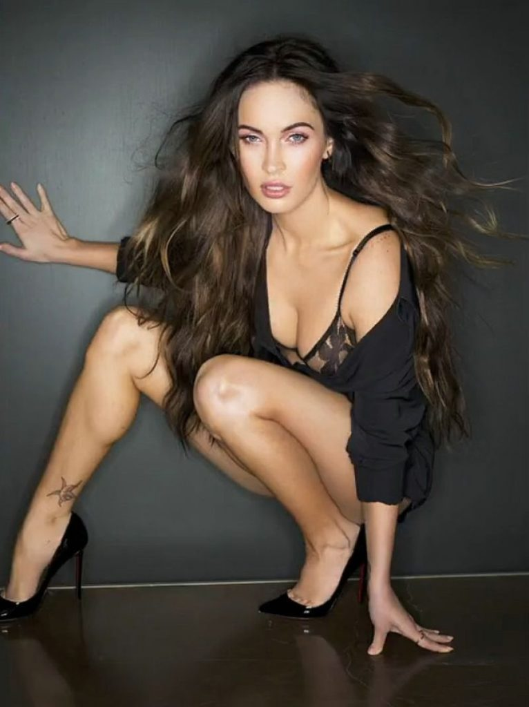 Megan Fox Hot Boobs Pics
