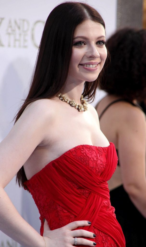 Michelle Trachtenberg Smiling Images