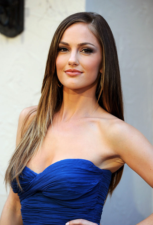 Minka Kelly Hot Cleavage Photos