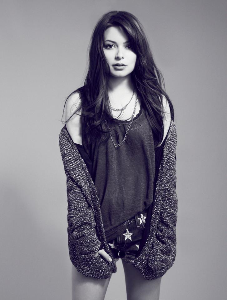 Miranda Cosgrove Black & White Images