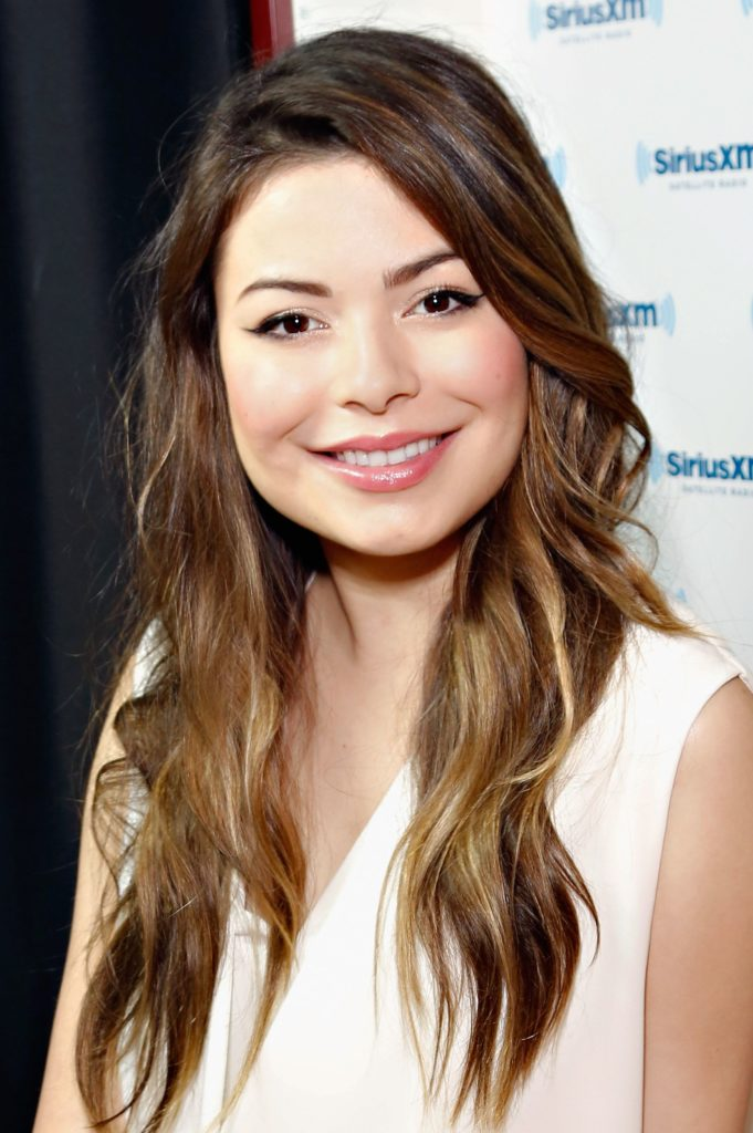 Miranda Cosgrove Photos At Event