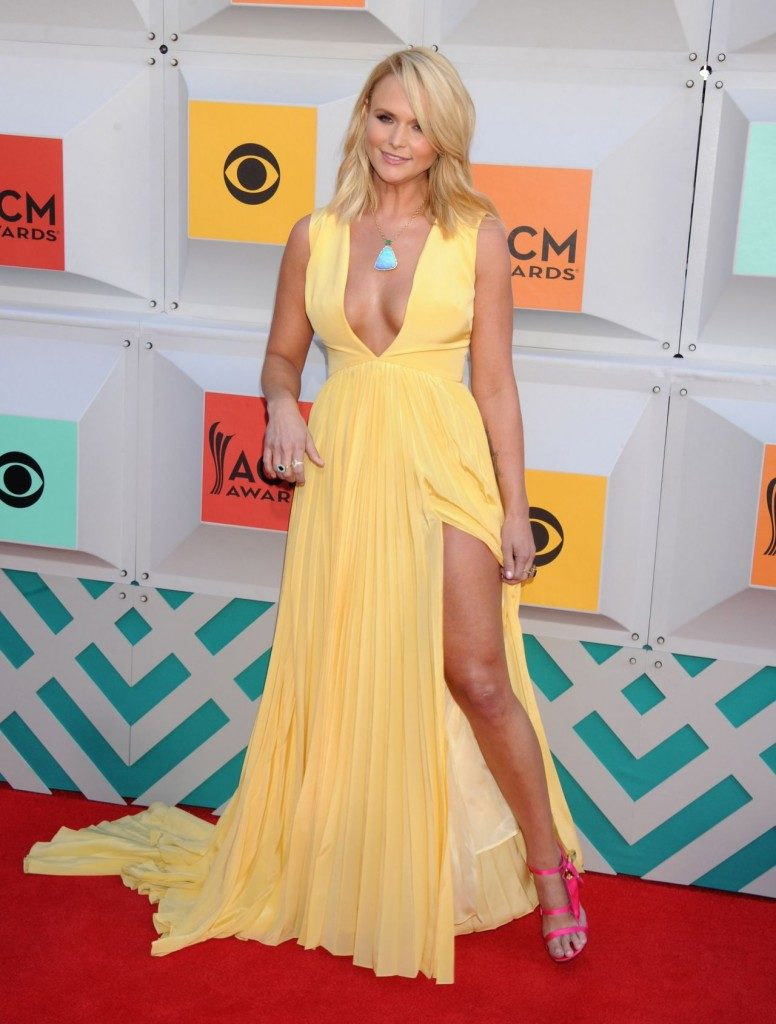 Miranda Lambert Bold Photos