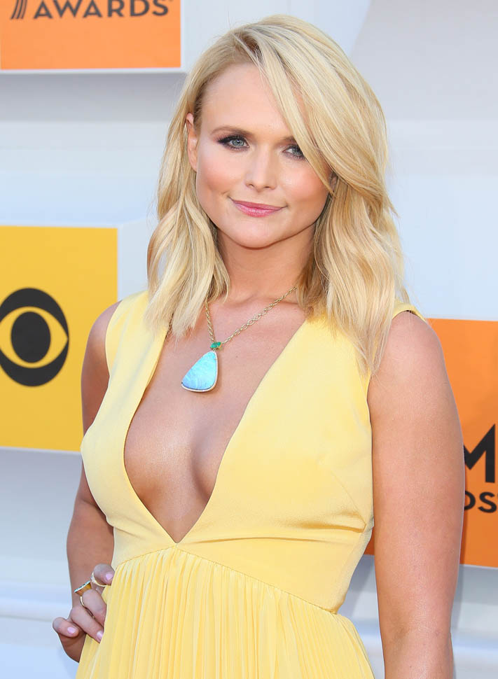 Miranda Lambert Hot Boobs Images