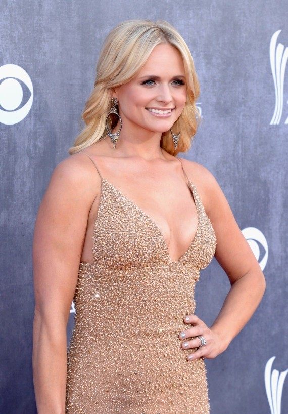 Miranda Lambert Hot Boobs Photos