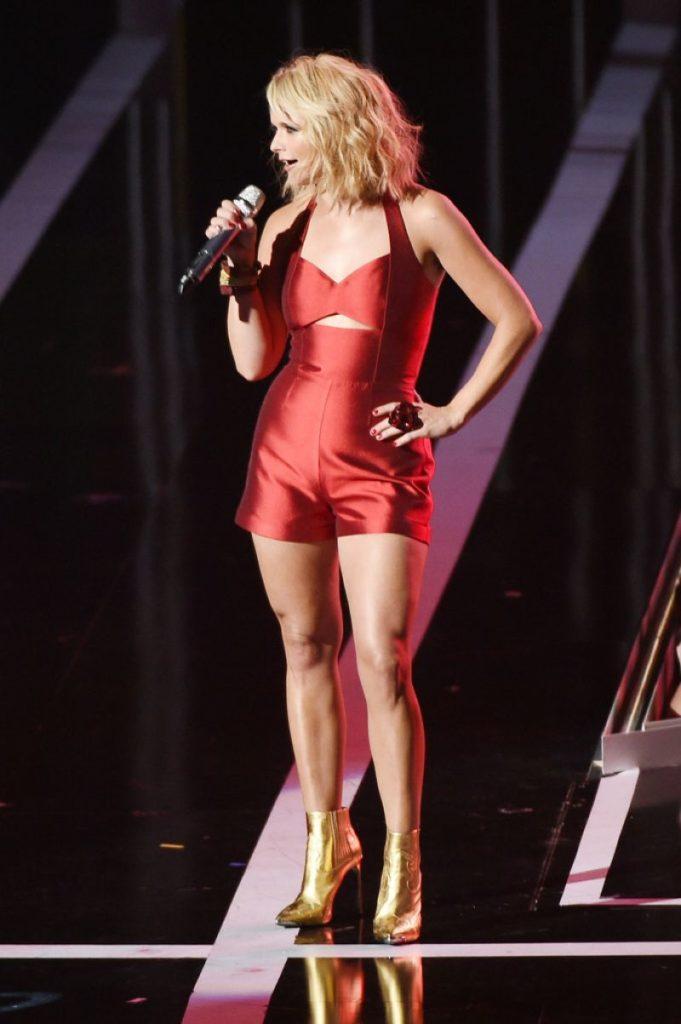 Miranda Lambert Pics In Lingerie