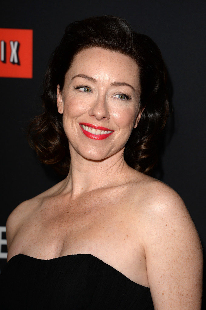 Molly Parker Hot Cleavage Pics