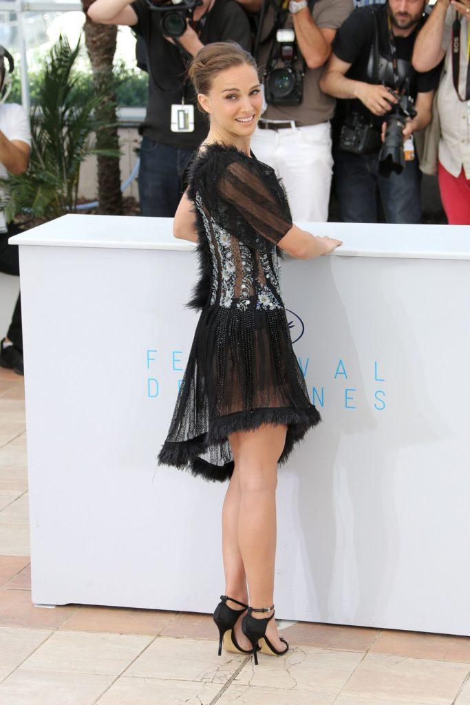 Natalie Portman Hot Legs Pics