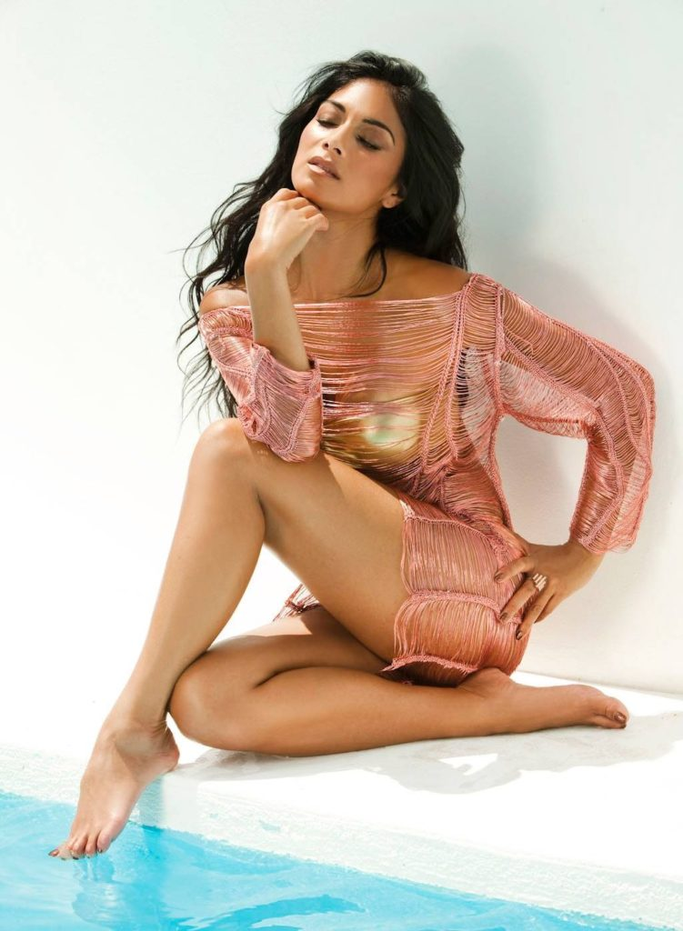 Nicole Scherzinger Bathing Suit Images