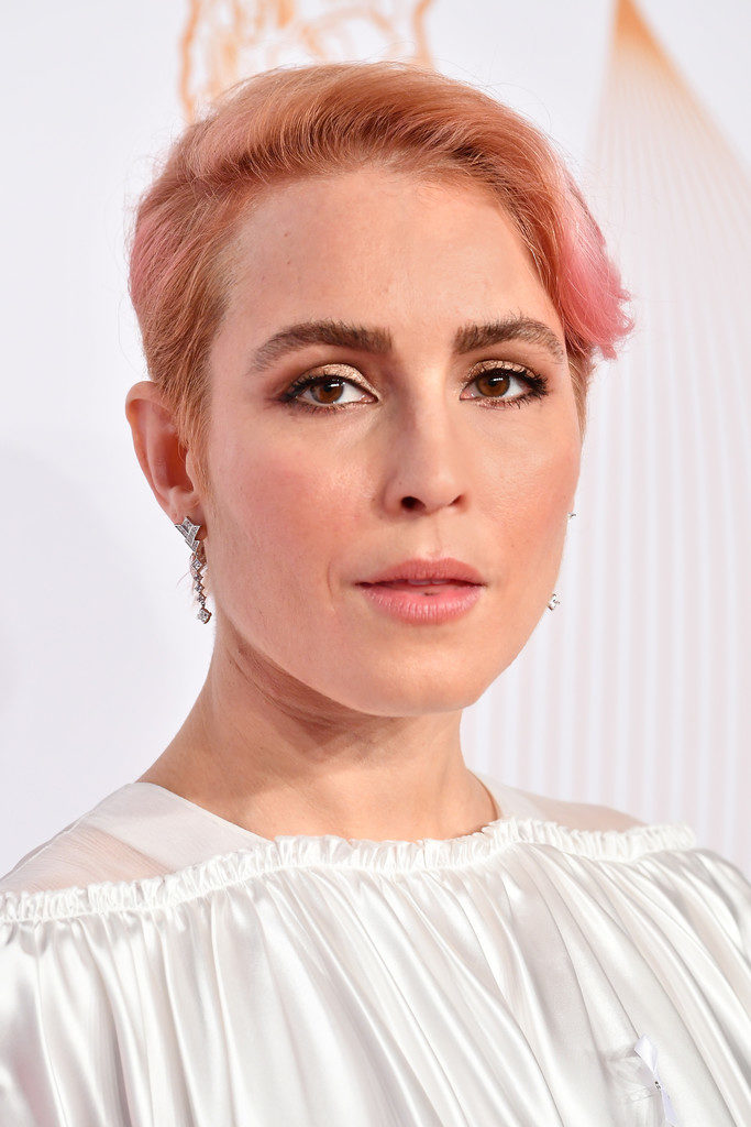 Noomi Rapace New Hair Cut Wallpapers