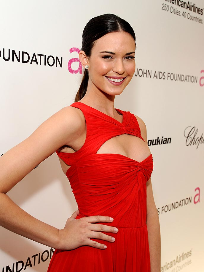 Odette Annable Braless Pics