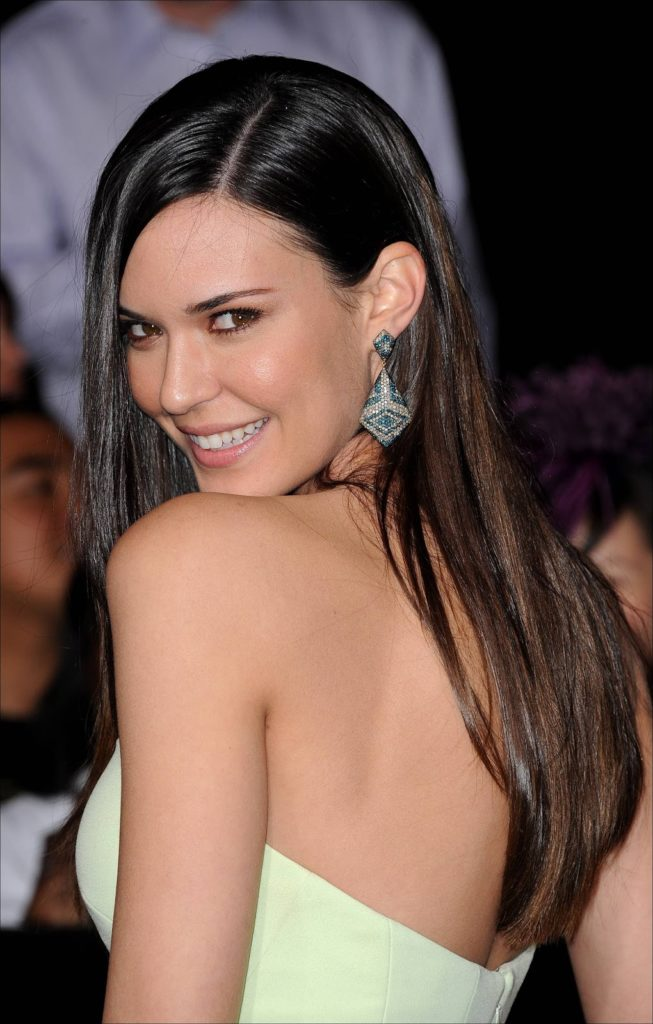 Odette Annable Hot Backless Pics