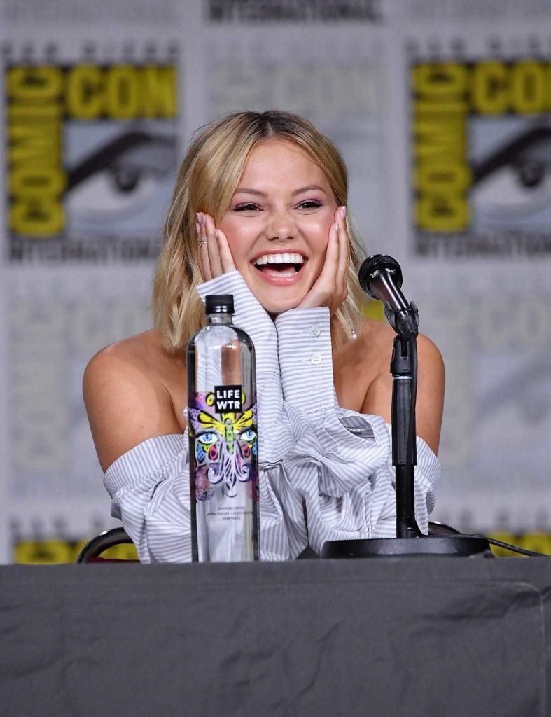 Olivia Holt Smiling Pictures