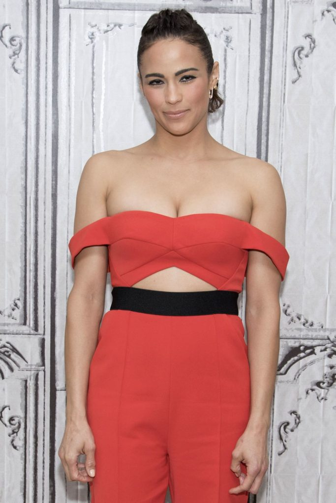 Paula Patton Braless Pics